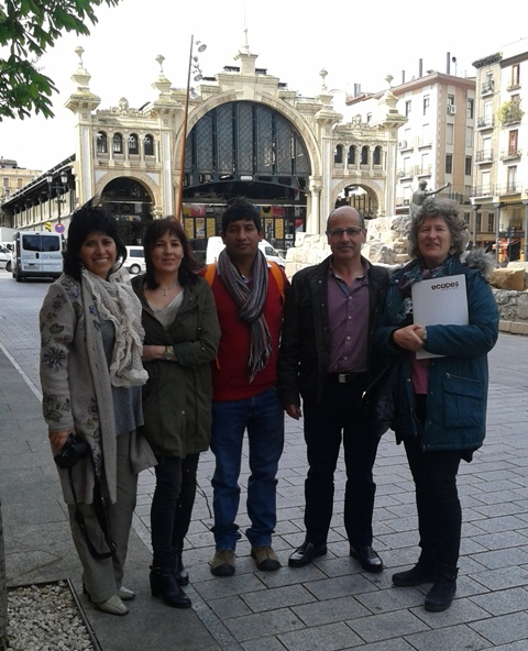 Visita de representantes del centro Guaman Poman de Ayala de Perú